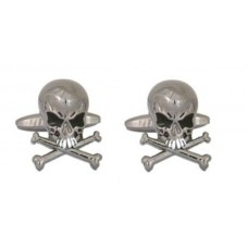 Cufflinks with skulls, very angry skulls (with bones)