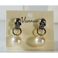 Earrings with skull and dangling pearl